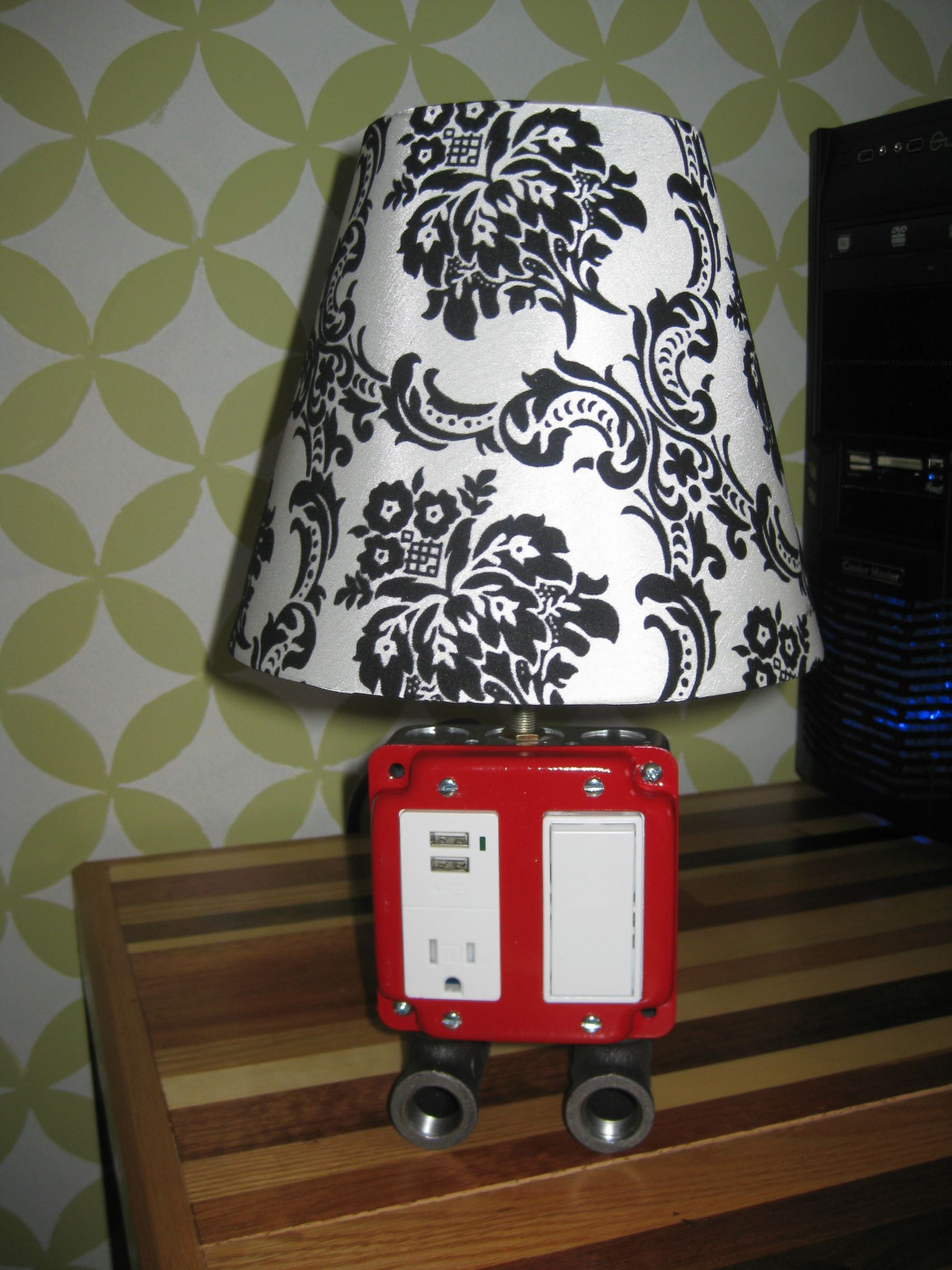 Lamp I saw on DIY a little while ago. - Imgur