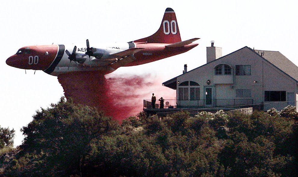 Air tanker over Colorado Springs Aircraft, Wildland fire