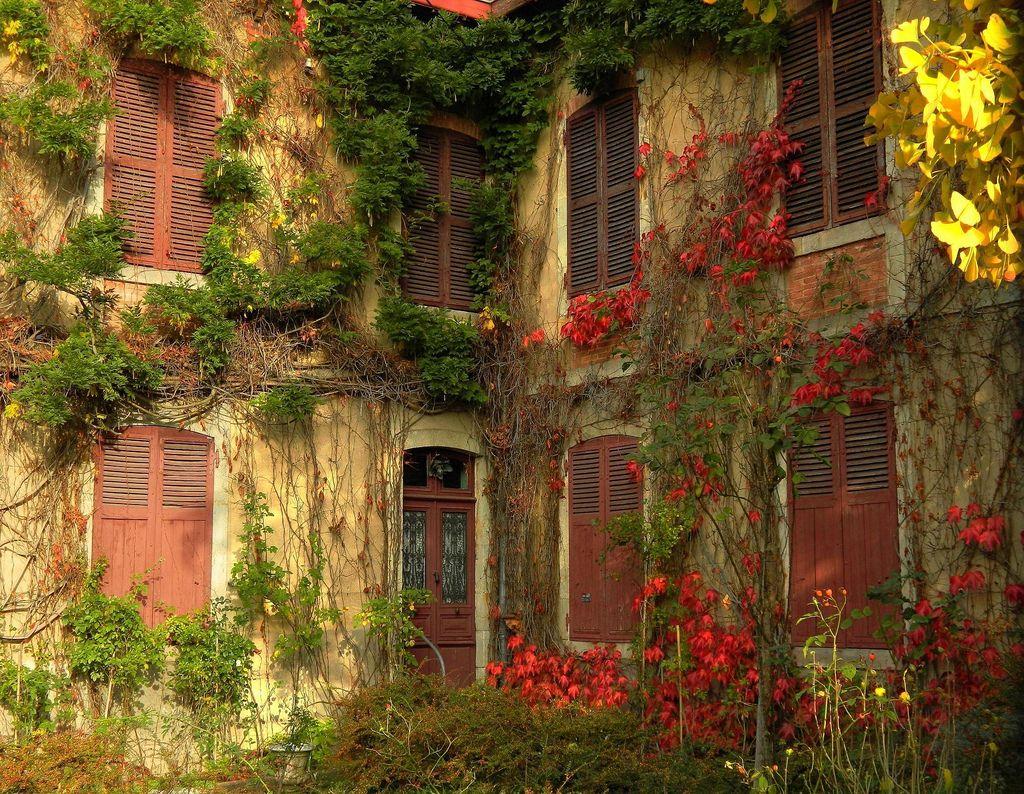 abandoned home, lezoux,auvergne,france.