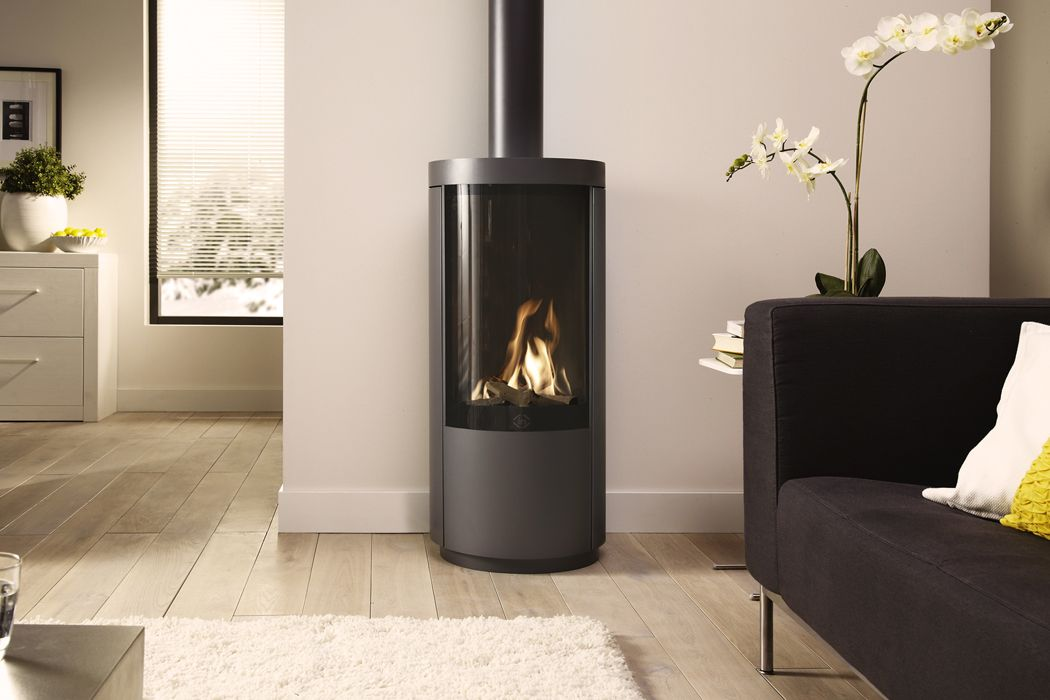 Dru Circo Is A Desirably Curved Tall Freestanding Gas Stove With A Large Window Gasfornuis Vrijstaande Open Haard Gashaard