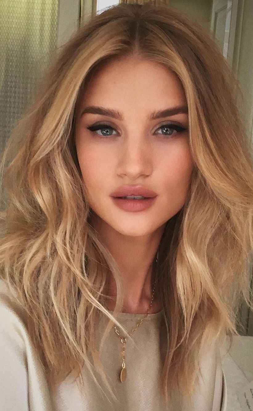 Exclusive: Rosie Huntington-Whiteley on Her Nighttime Beauty Routine recommendations