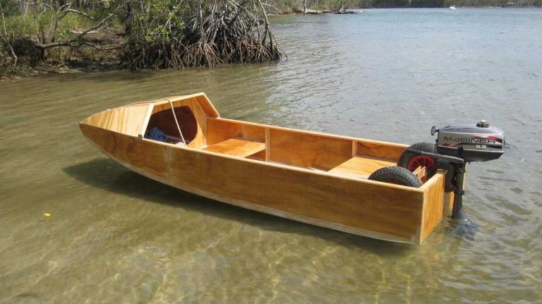 Boat In 1 Month Wooden Boat In 2020 Wooden Boats Wooden Boat Plans Boat