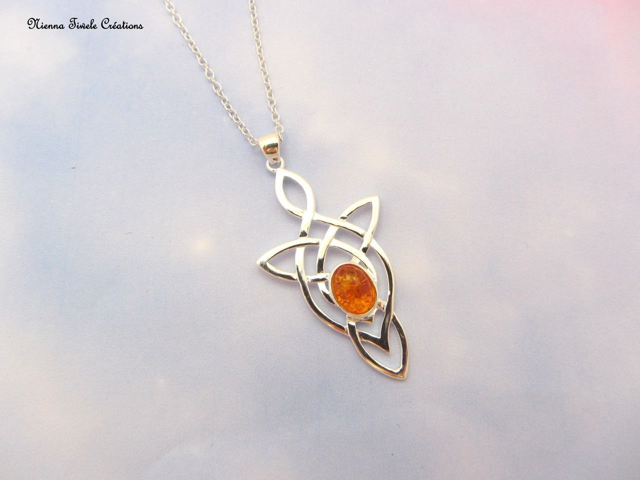 Collier celtique, elfique, en argent et véritable pierre semi précieuse ambre : Collier par niennatiwele