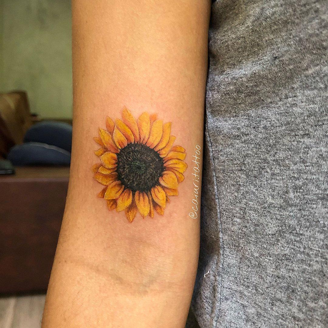 225 se démarquer de tournesol tatouages (avec les #legtattoos de Significations