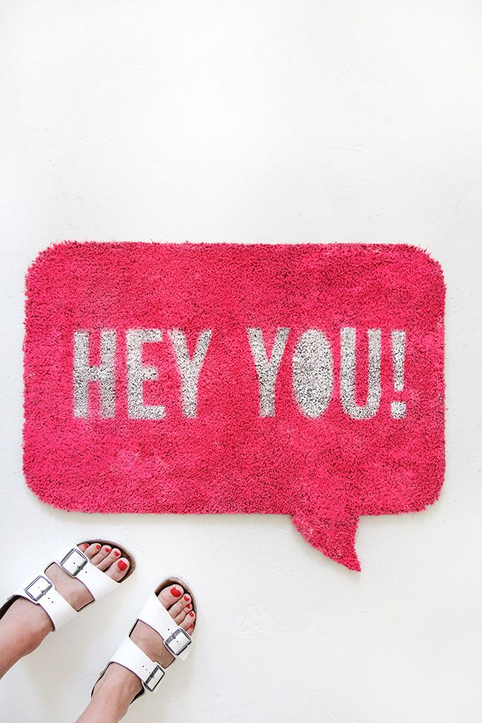 I love a good DIY Door mat! It's the first thing people see as they walk into your home, so I love the idea of having it personalized according to you and your style! If you can decide what that is… There are so many cute DIY door mat projects out there! Here are twenty...Read More »