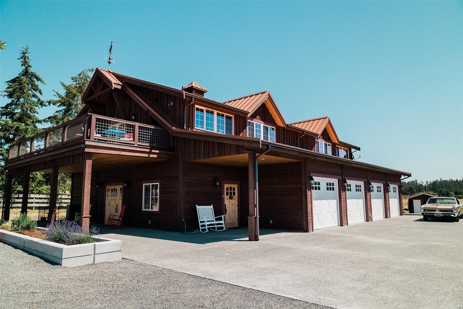 Beautiful Barn Home And Large Four Stall Garage Barn House Kits Prefab Barns Barn Kits