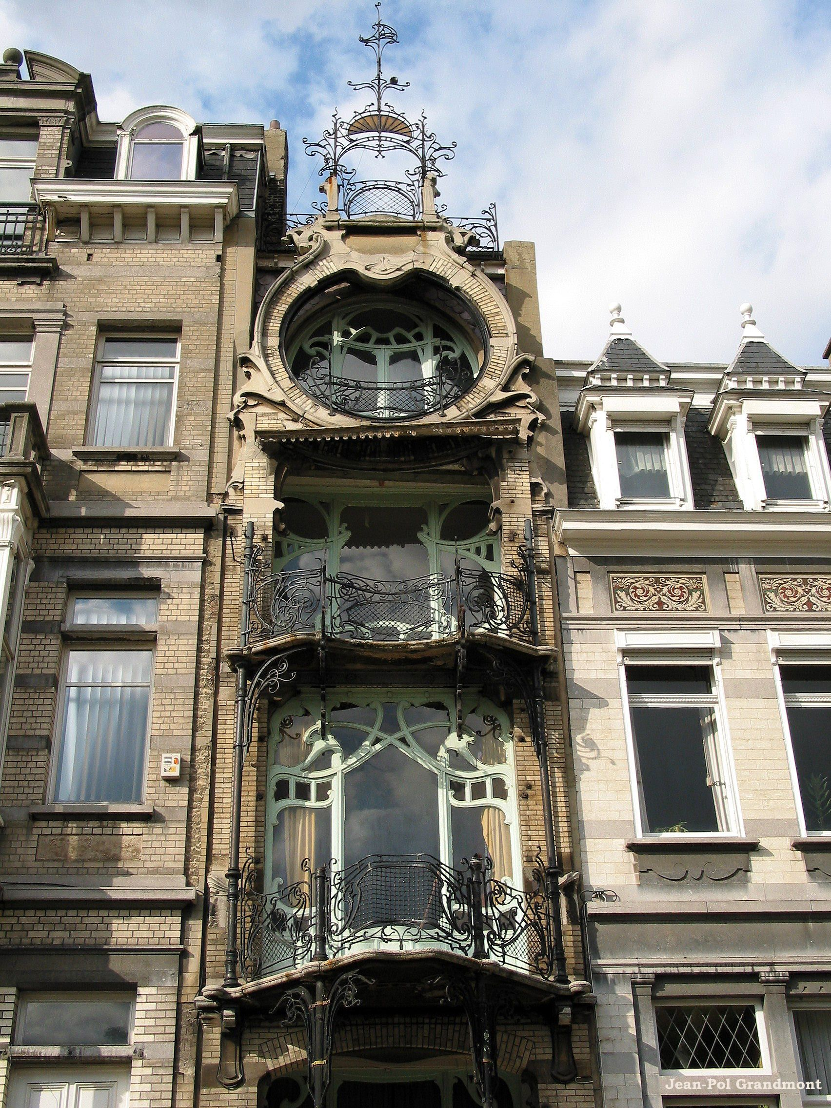 Different Architectural Styles Exterior House Designs: Brussels (Belgium), Ambiorixsquare