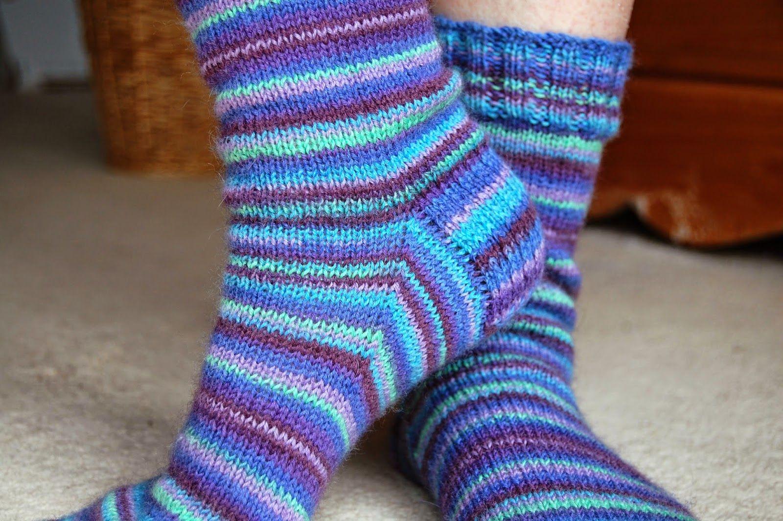 Basic 4ply sock pattern and tutorial - easy beginner sock ...