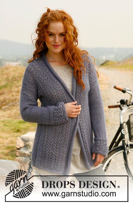 Strikket DROPS jakke med rullekant og hullmønster i Alpaca og Kid-Silk. Str S - XXXL ~ DROPS Design