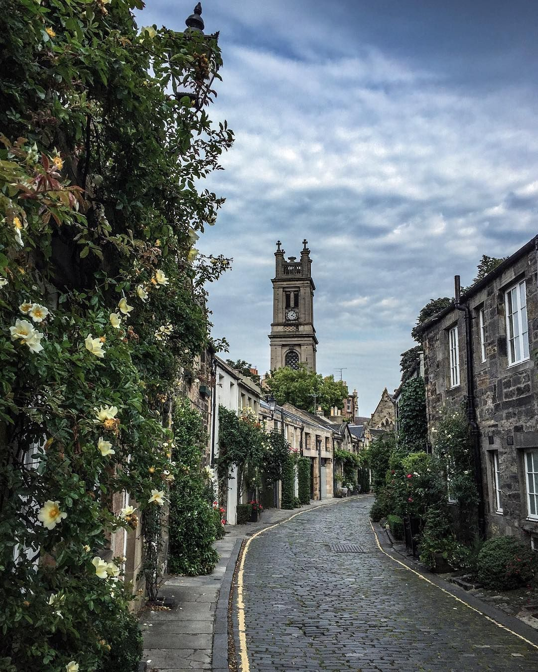 Circus Lane, Edinburgh #circuslane #edinburgh #myedinburgh #loveedinburgh #thisisedinburgh #visitscotland #edinburghhighlights…