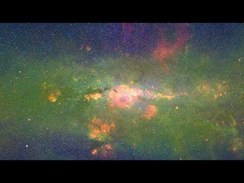 Floating Along the Milky Way (in 4k60p) | Un vídeo nos muestra la Vía Láctea en 3D tras combinar 400.000 fotos. Visto en http://hipertextual.com/imagen-del-dia/via-lactea-en-3d