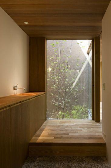 上町研究所 housing22-箕面の住宅lll Arquitetura, urbanismo e design - Techos Interiores Con Luces