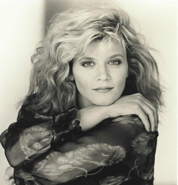 Ginger Lynn Pics, Photo Galleries & Nude Pictures