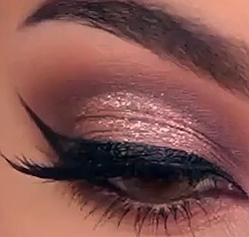 Photo of SUPER EASY SPARKLY EYE MAKEUP LOOK TUTORIAL