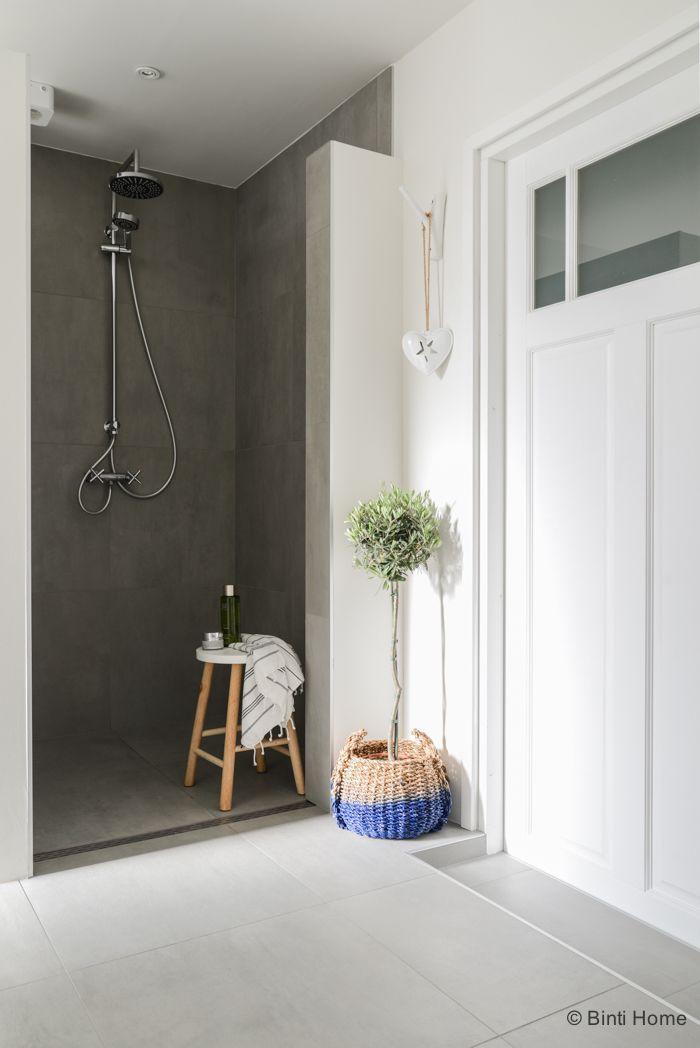 Interieurstyling en interieurfotografie badkamer #bathroom douche ...