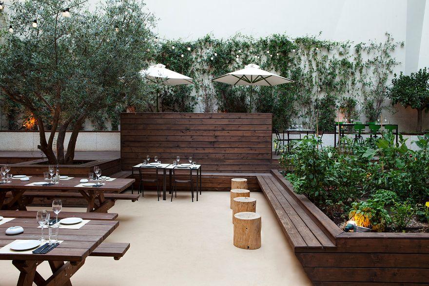 Terrace restaurant design google search outdoor for Exterior restaurant design