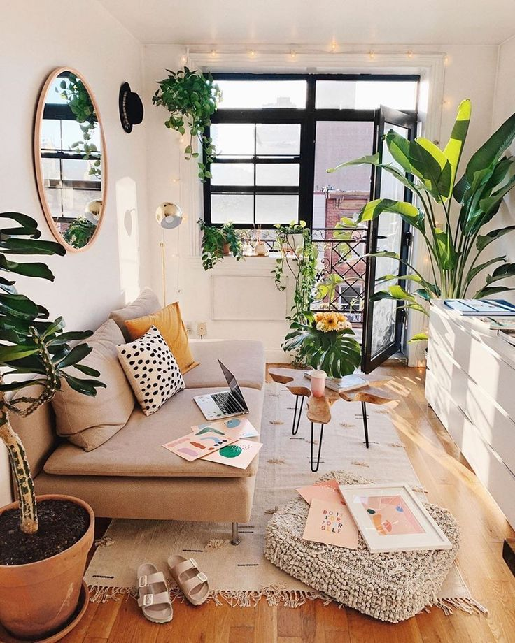 """Photo of Plants Spark Joy's Instagram post: """"Good morning Sunday! Hope your weekend is going fantastic! Here's a little apartment inspo for those thinking they don't have room for…"""""""