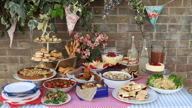 Summer Wedding Buffet Menu Ideas: Asymmetrical Style Buffet