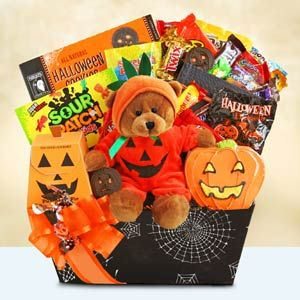 Halloween Basket for Kids #spookybasketideasforboyfriend