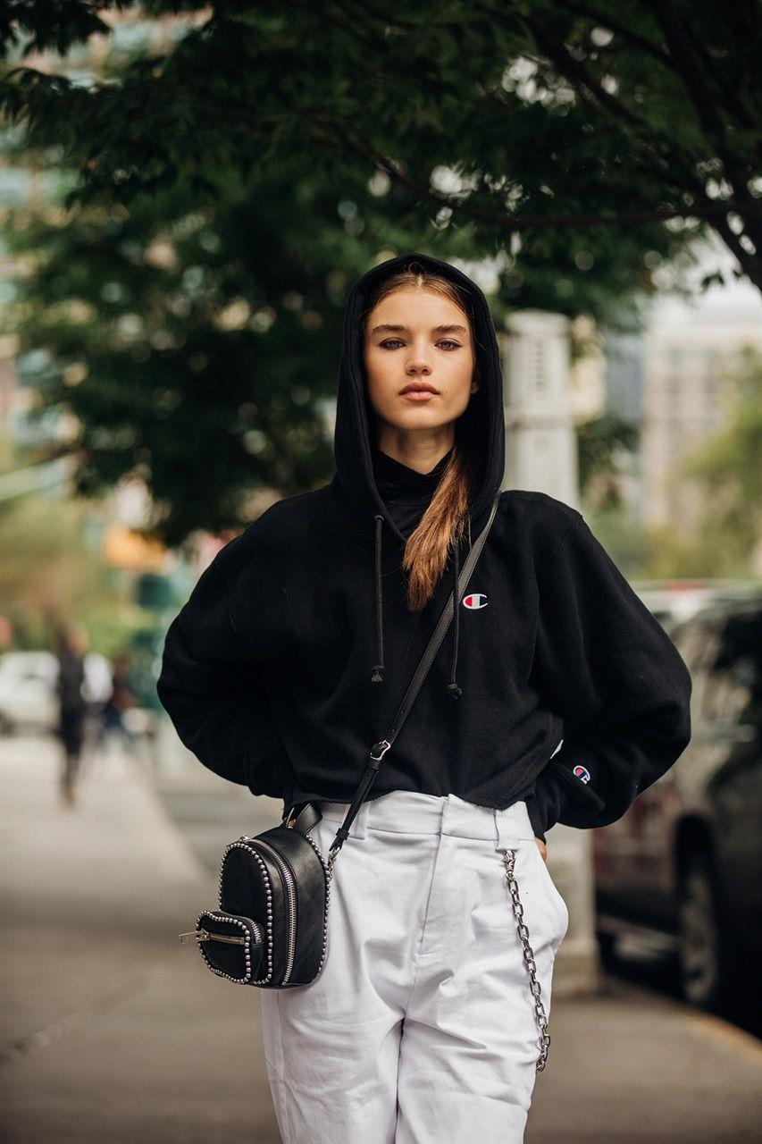 Street Style  New York Fashion Week Primavera Estate 2019  605175d2844