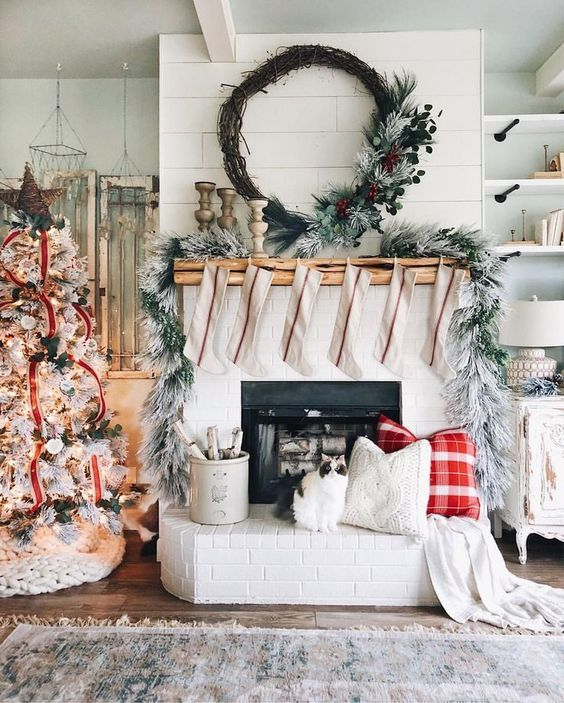 Christmas decor, farmhouse Christmas mantel and beautiful Christmas