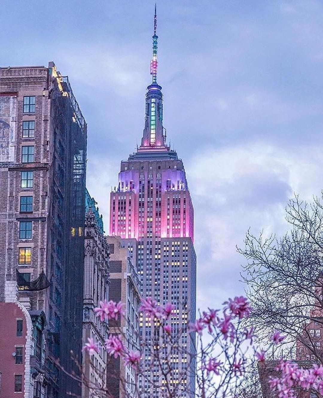 4 665 Likes 9 Comments Urban Outfitters Nyc Uonewyork On Instagram We Ny Uonewyork Nyclovesnyc Empire State Building Empire State New York
