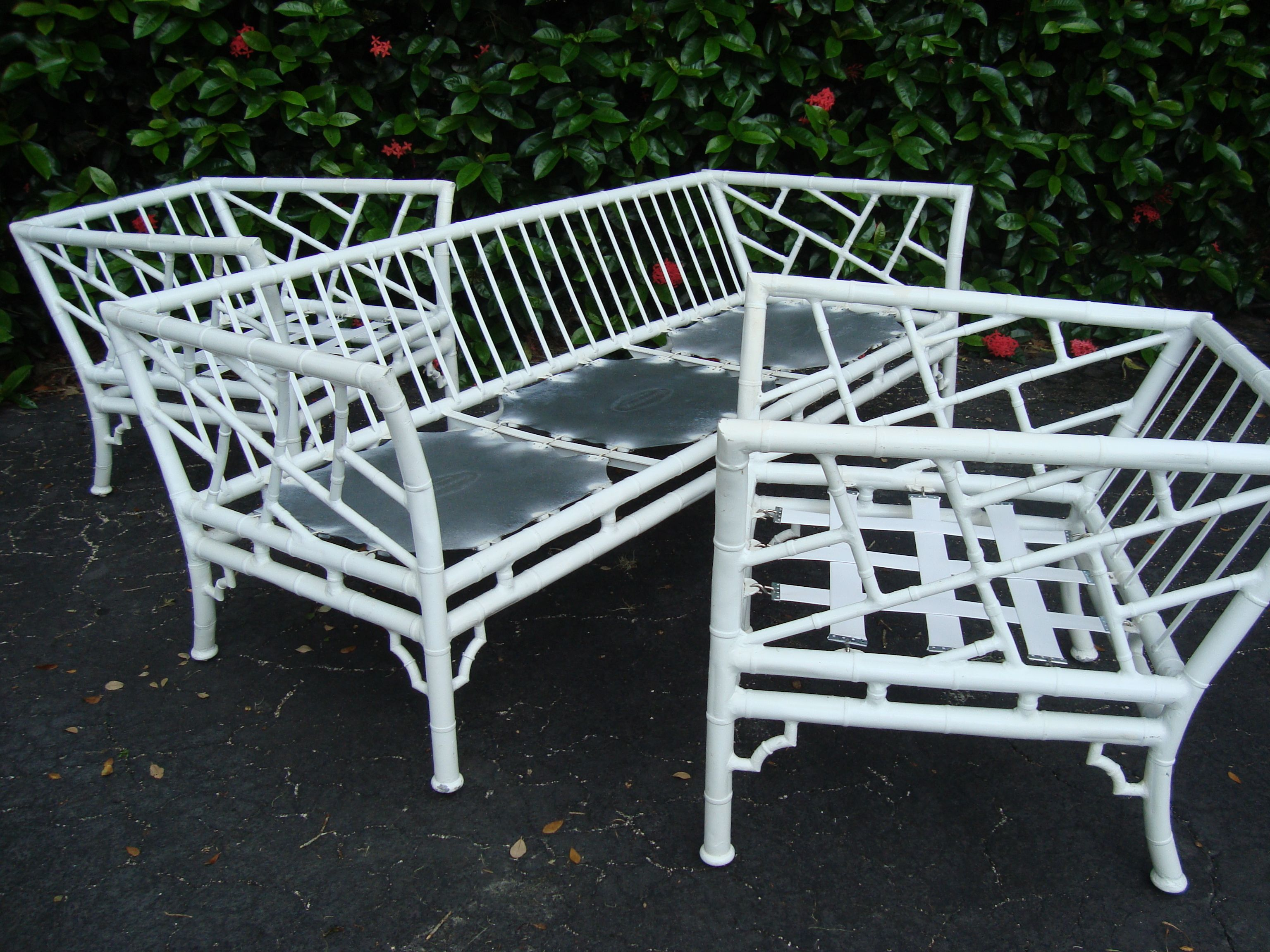 Chinese Chippendale Patio Set