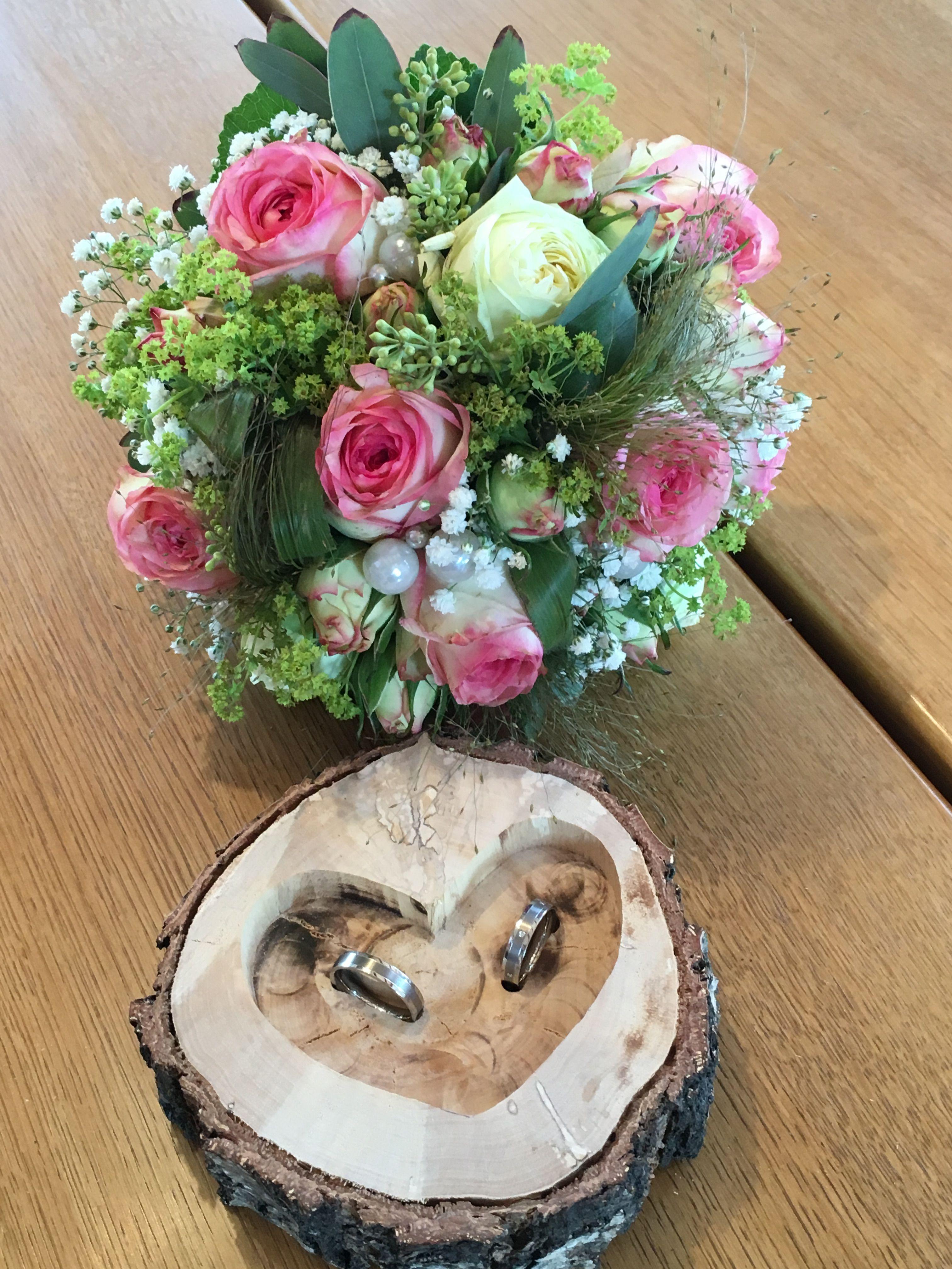 Unser Ring-Herz, vom Bräutigam selbst gemacht.