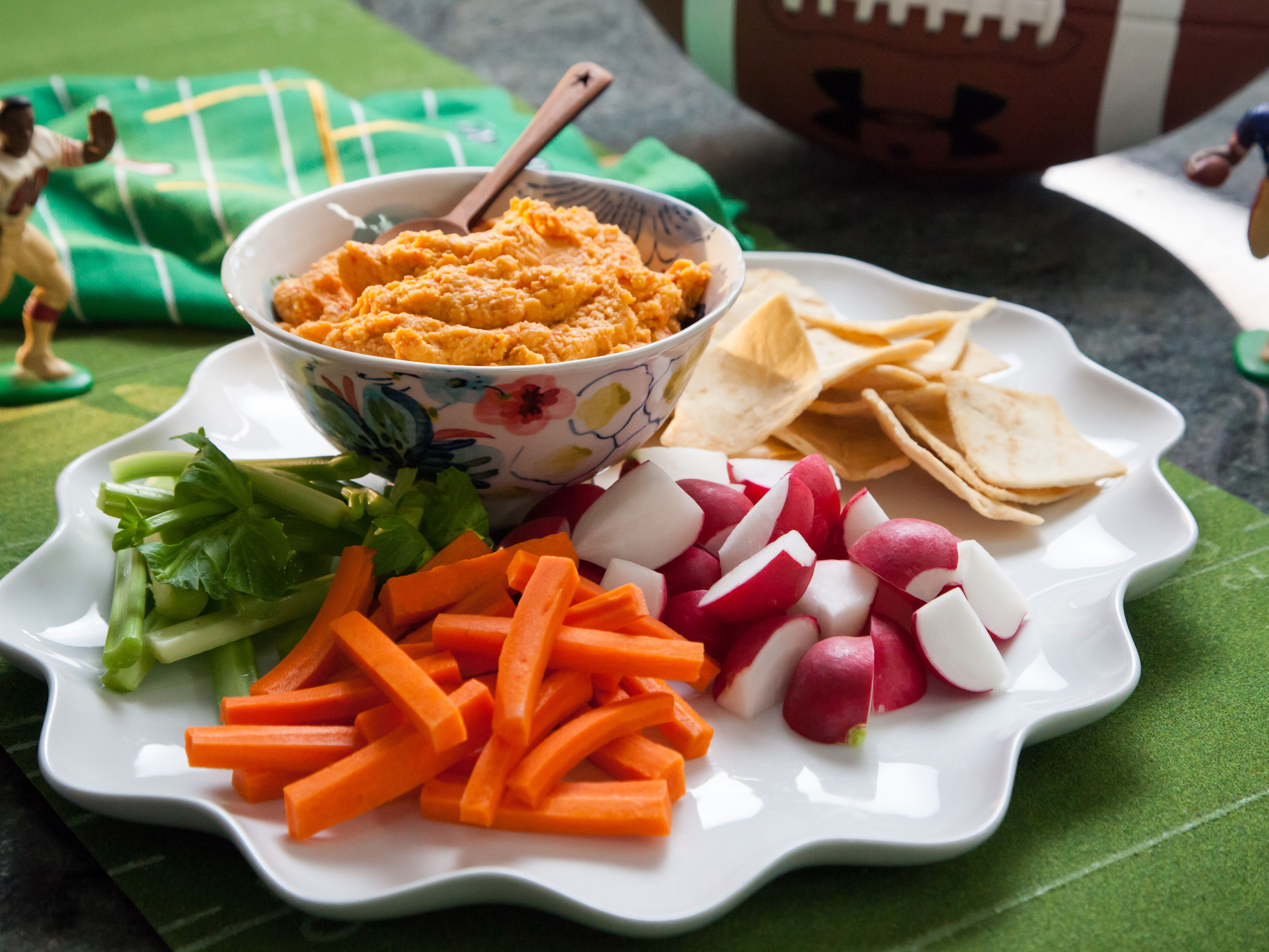 Roasted red pepper hummus recipe pinterest valerie bertinelli roasted red pepper hummus recipe pinterest valerie bertinelli red pepper hummus and roasted red peppers forumfinder Gallery