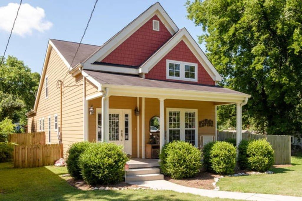Check out this awesome listing on Airbnb: 5 Minutes to Downtown Nashville! - Houses for Rent in Nashville