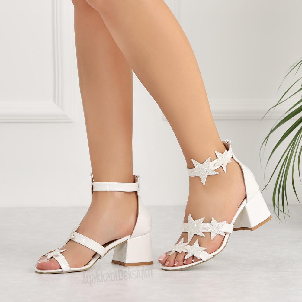 Sitela Rugan Beyaz Simli Kisa Topuklu Gelin Ayakkabisi Topuklular Topuklu Ayakkabilar Topuklu Sandalet
