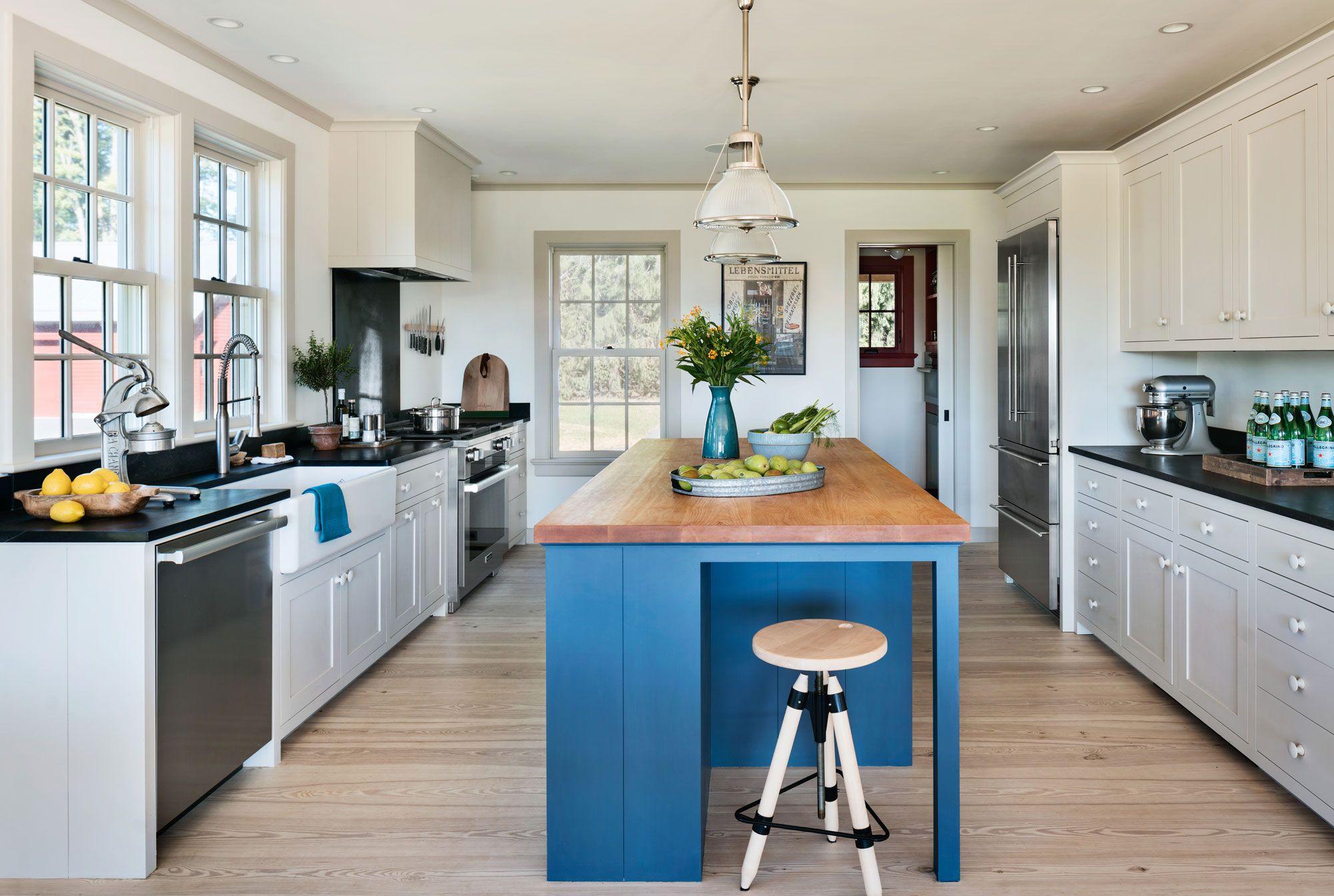 Rafe Churchill Traditional Houses | A Modern Farmhouse | Interiors ...