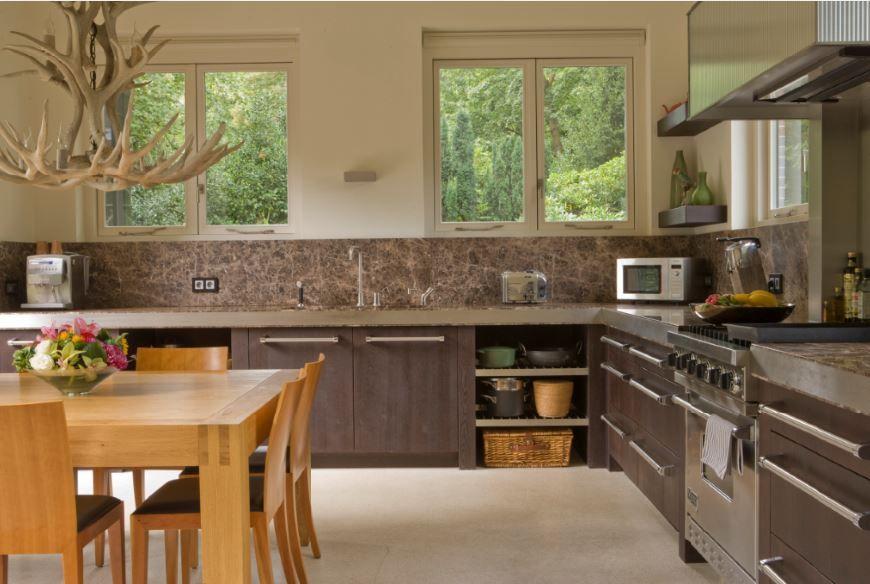 Luxe massief eiken houten keuken donker gebeitst viking