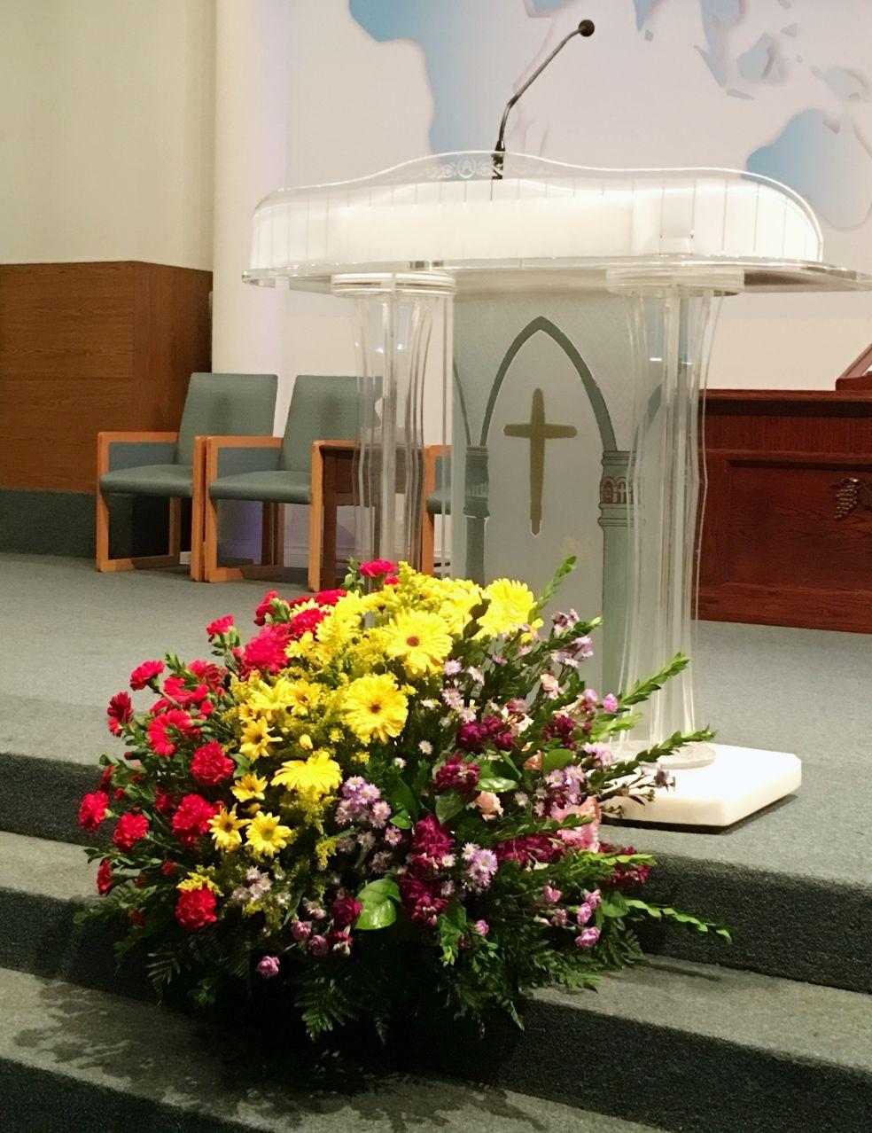 Pin by Jan Lim on Church Flower Arrangement Church