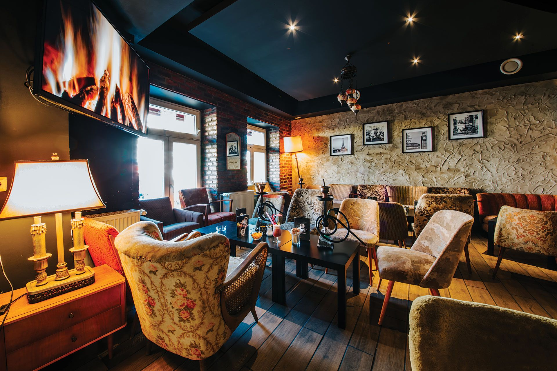 Hookah lounge eine neue shishabar im herzen von berlin jeden freitag  samstag gibt es turkische live music diese bar bietet euch erse tabaksorten also best images in creative bookshelves home rh pinterest