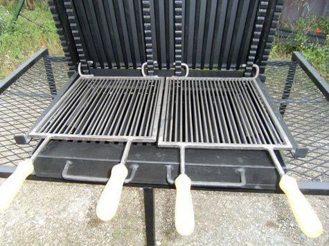 Vente Barbecue Gril Vertical Bbq En Fer Forge Fabrication Francaise A La Forge Salers Barbecue Tourne Broche Barbecue