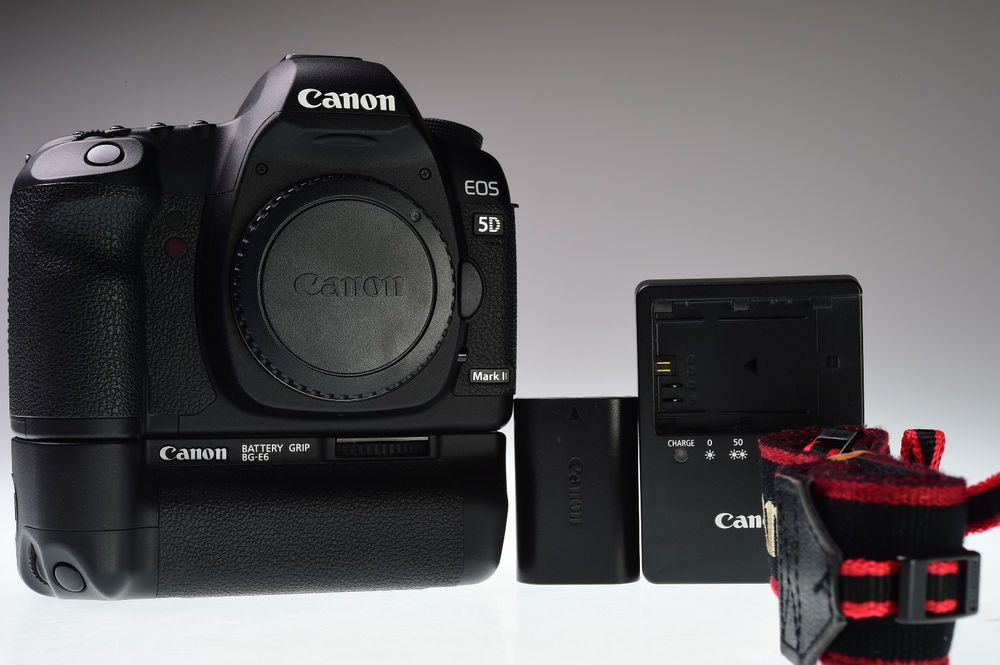 Canon Eos 5d Mark Ii Body With Bg E6 Battery Grip Shutter Count 4980 Excellent Canon
