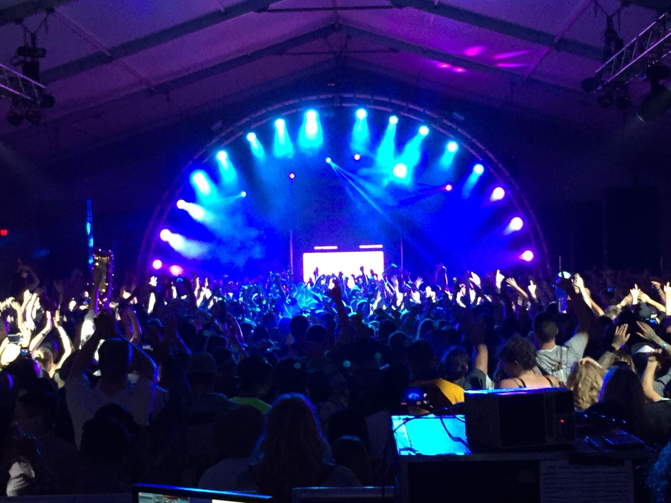 #MartinSolveig at #live105BFD