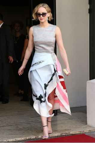 How to Dress Like Jennifer Lawrence - Vogue Daily - Fashion and Beauty News  and Features - Vogue 1ed7f9f0c4