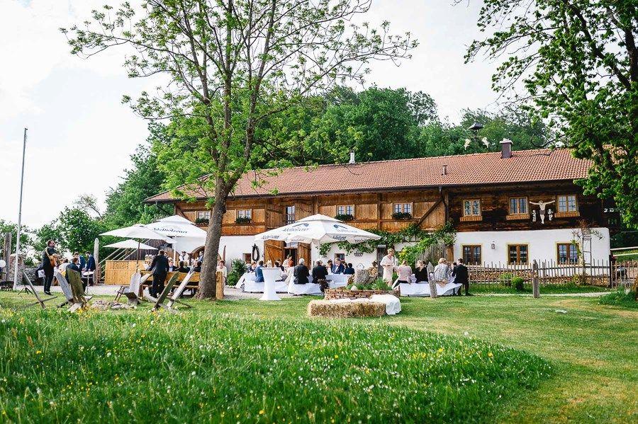 Hochzeit Auf Dem Pitzlloch Hof Im Bayerischen Boho Stil Hochzeitsgezwitscher Hochzeit Boho Stil Boho Hochzeit