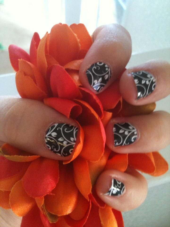 Black Floral on short nails - see, it still looks great!   Paws ...