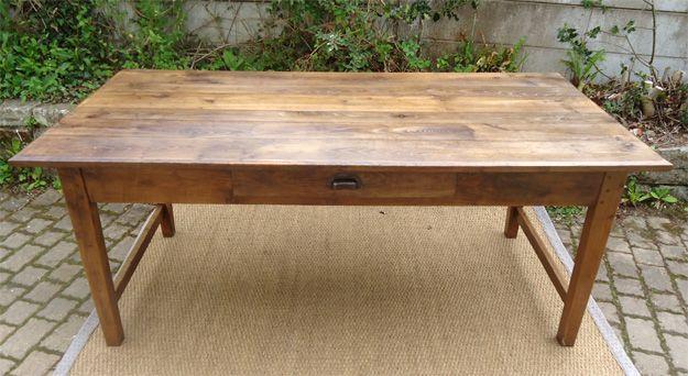 grande et robuste table ancienne de ferme plateau et pieds. Black Bedroom Furniture Sets. Home Design Ideas