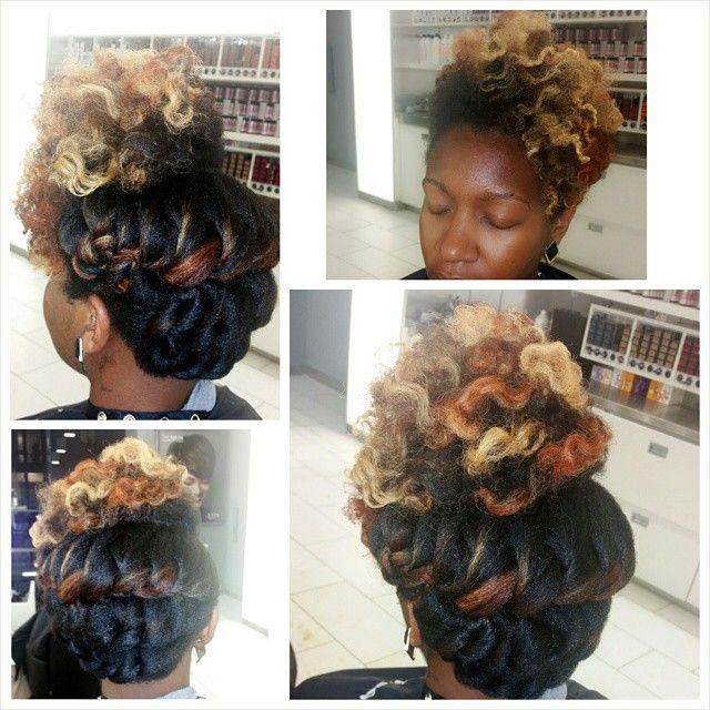 Late night hair posts @that_jenesaisquoi #myhaircrush #teamnatural_ #curlbox #naturallyshesdope #nhdaily #blahblahblah