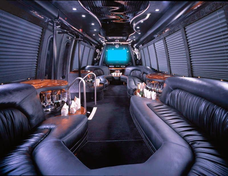 Interior+Party+Limo+Bus+Service.jpg (800×618) Mobil