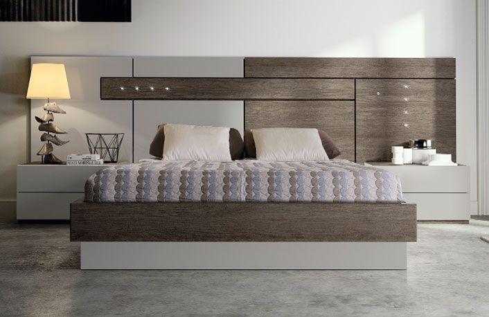 Cabecero moderno con cama bañera y 2 mesitas de noche, una ...