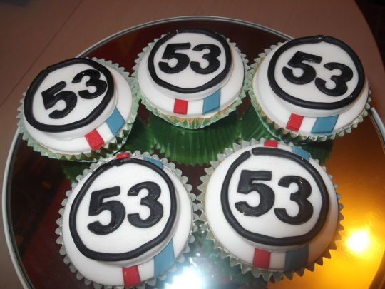 Herbie A Toda Marcha: Herbie Cupcakes - Cake By Tracey - CakesDecor