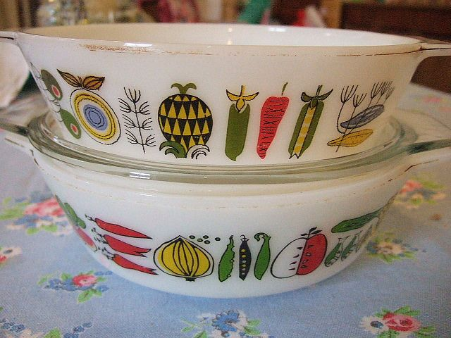 Vintage Pyrex by Vintage Pleasure and Agnes Darling, via Flickr