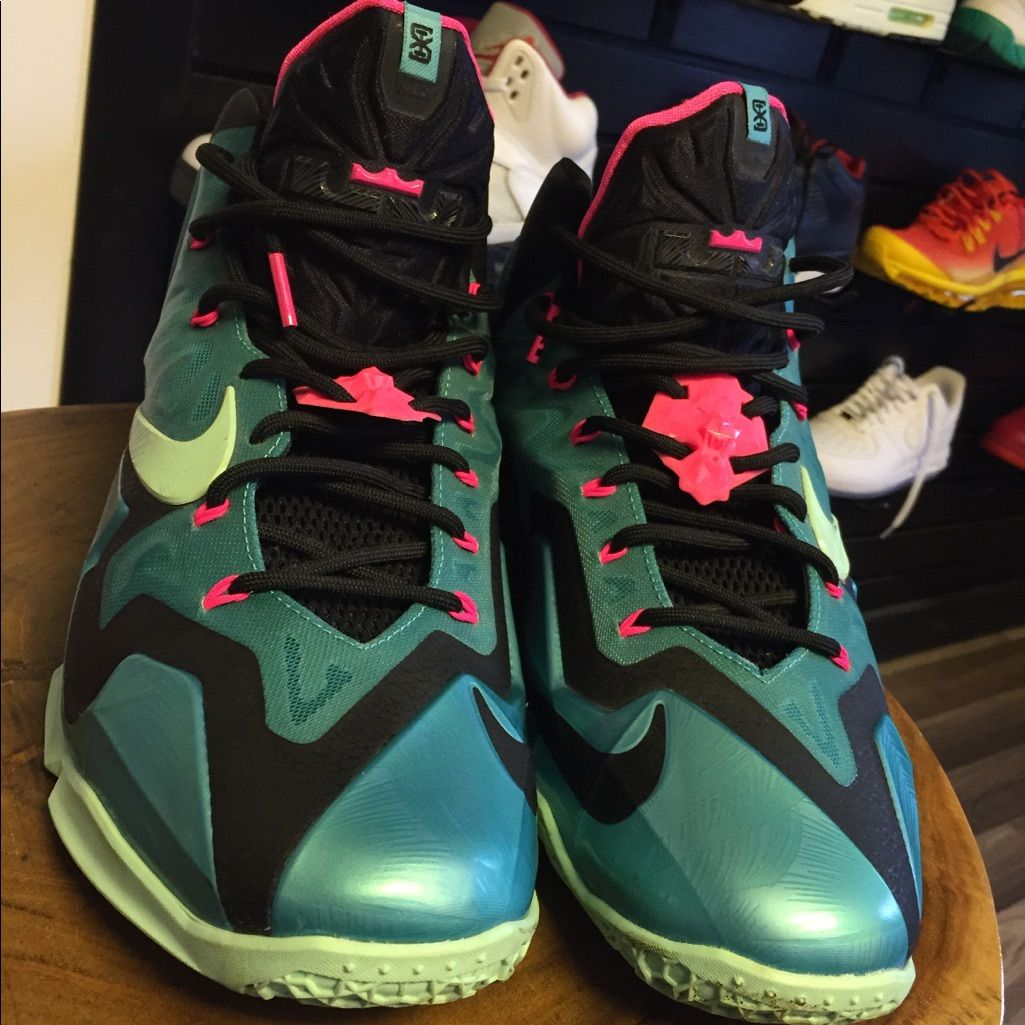 Nike Shoes South Beach Lebrons 11s Color Blue Pink Size 12