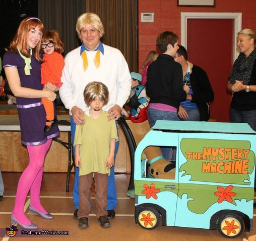 Scooby Doo Gang - Halloween Costume Contest at Costume-Works - halloween costume ideas for family
