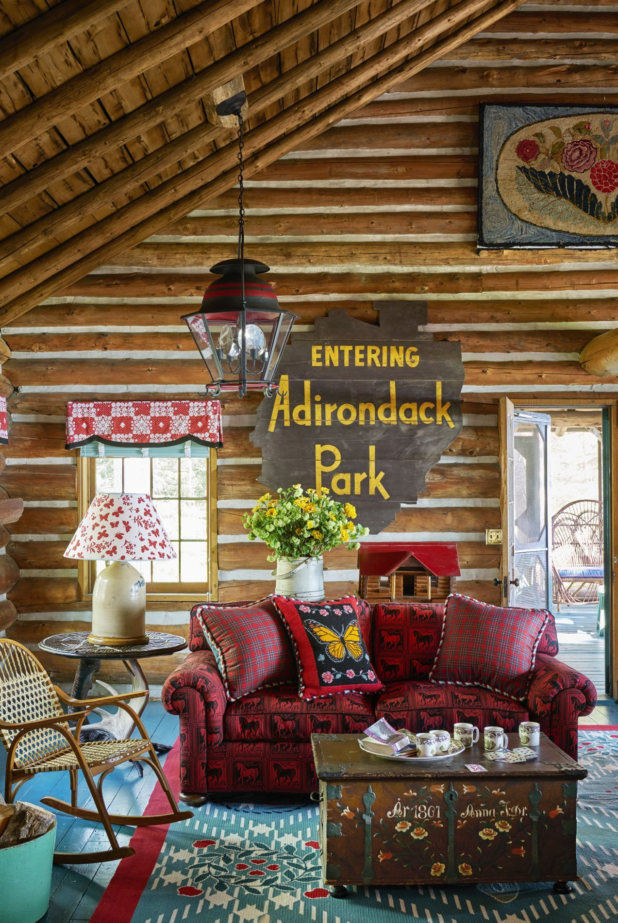 The Interior Of This Adirondack Cabin Will Transport You Back To Summer Camp Adirondack Decor Design Your Own Home Cabin Decor